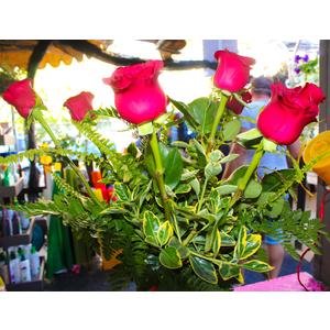 Mazzo di Rose con vaso in vetro