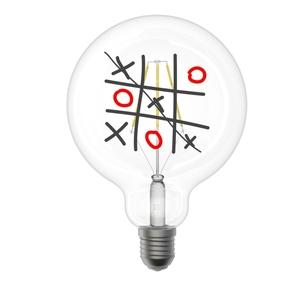 Lampada a led globo idea regalo dipinta a mano con gioco Tris, design il Filotto metoo-design Roma vendita