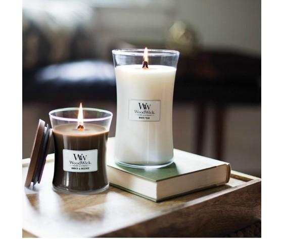 White teak woodwick candela profumata nordic