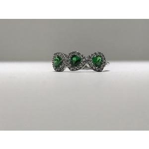 Anello trilogy oro 18Kt con zirconi a forma di cuore colore verde smeraldo
