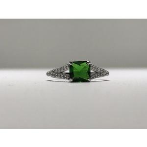 Anello solitario oro 18Kt con zircone taglio princess colore verde smeraldo