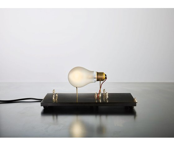 Monument for a bulb1