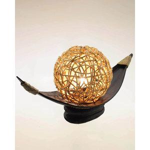 Lampada a vassoio in cocco con sfera in rattan  L 50 x h25 x p19