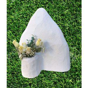 Montagna con vaso fiori