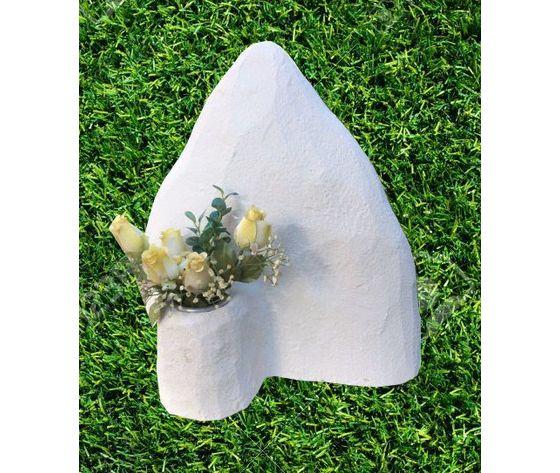 Lapide per animali - Montagna con vaso fiori