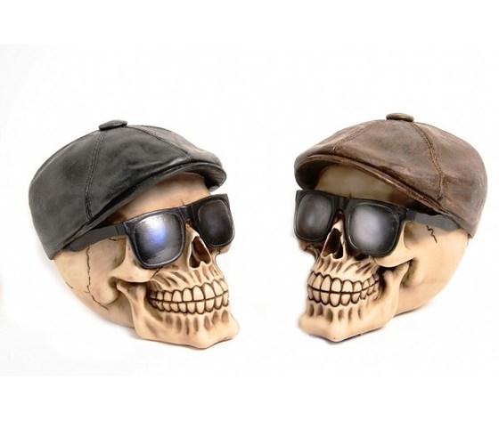 Teschio cappello e occhiali
