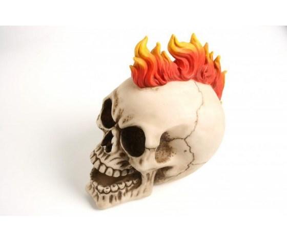 Teschio cresta di fiamme
