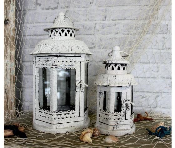 Set 2 lanterne da appoggio in ferro bianco e vetro con for Lanterne da interno