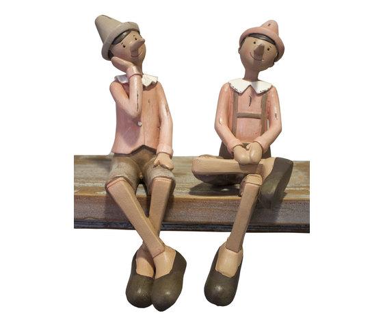 Coppia pinocchi seduti rosa