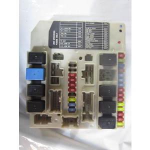 60-111 Scatola Fusibili Nissan 284B7AX615 PP-T30-M10 PPT30M10 MICRA
