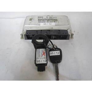 Kit Motore Bosch 0261206882 0 261 206 882 89661-0D012 896610D012 1039S01276 1U3F-15607-RE 1U3F15607RE CHIAVE TOYOTA YARIS 1.0