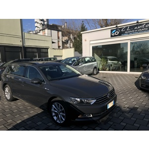 Volkswagen Passat 2.0 TDI Business BlueMoti