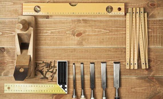 Tools wood 1140 760 d