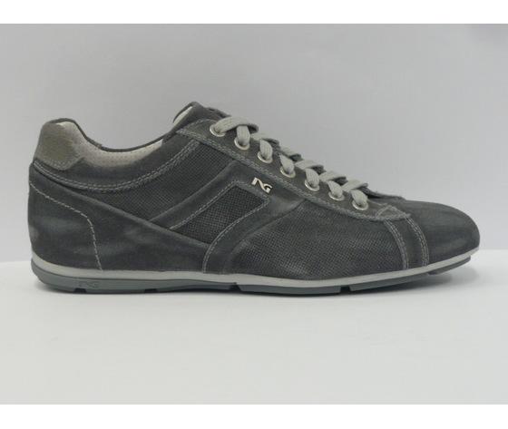 Sneakers uomo Nero Giardini trendy jeans