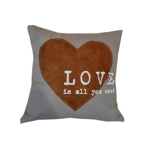 Cuscino Love Is All You Need