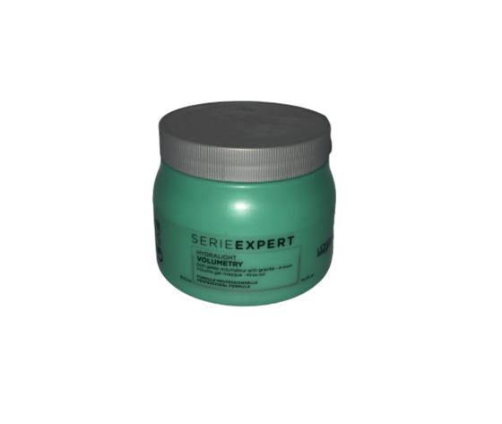 L'Oréal Volumetry Maschera serie expert volume expand disponibile in confezione da 200 ml e 500 ml. Maschera leggera per la nutrizione dei capelli fini e fragili, consente ai capelli di essere nutriti senza essere allo stesso tempo appesantiti, inoltre dona istantaneamente sostanza al capelli. Risultati di L'Oréal Volumetry Maschera