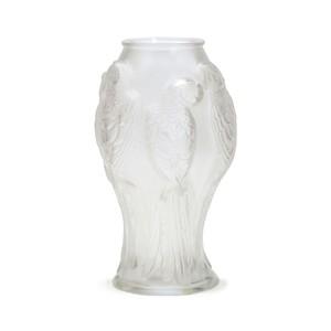 Lalique Vaso Parrots Clear