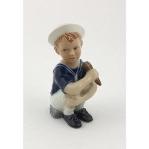 Royal Copenhagen Statuina Jens con cono gelato
