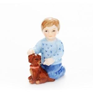 Royal Copenhagen Statuina Bimbo inginocchiato con cane