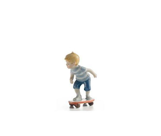 Royal Copenhagen Statuina Bimbo sullo Skateboard