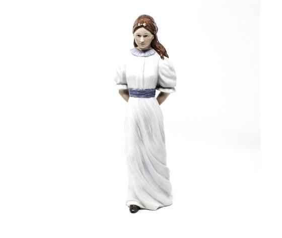 Royal Copenhagen Statuina Dama con cappello