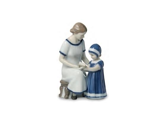 Royal Copenhagen Statuina Elsa che legge con la Mamma
