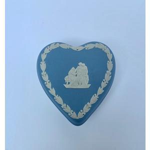 Wedgwood scatolina cuore