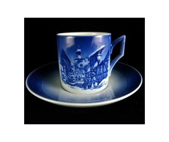 Royal Copenhagen Christmas Cup Saucer / Tazza con piattino 1996