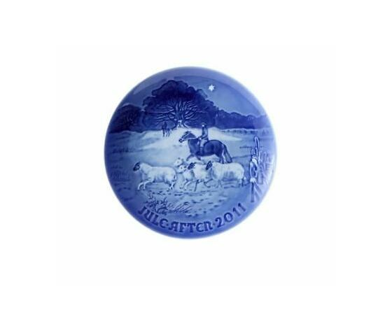 "Royal Copenhagen / Bing and Grondahl ""Christmas Plate"" 2011"