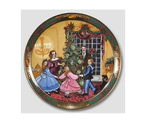 """Royal Copenhagen """"Christmas in Denmark"""" / """"Den Kaere Familie"""" Plate 1996"""