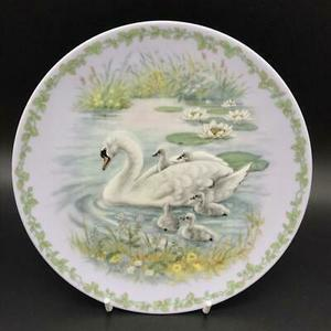 "Royal Copenhagen Annual Series Nature's Children ""The Swans"" Plate 1997"