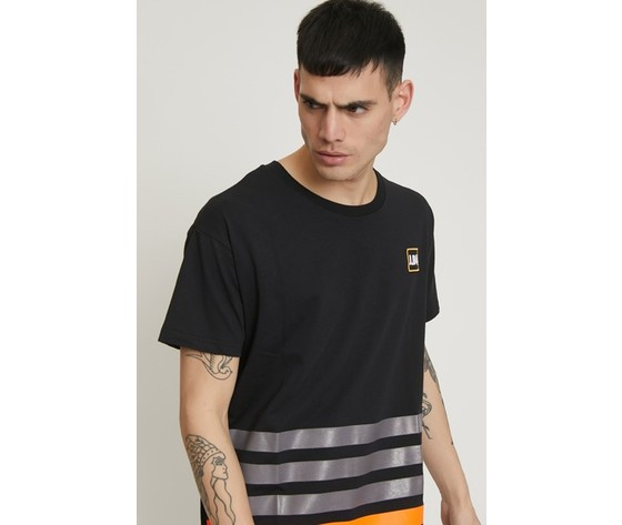 T shirt a righe con patch nera 3