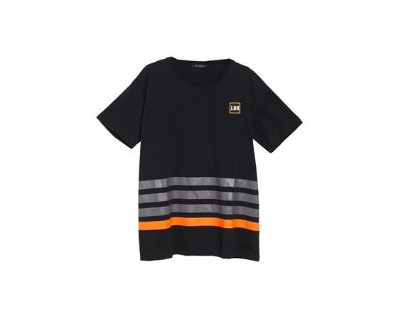 Xt shirt a righe con patch nera 1