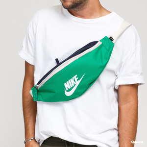 Marsupio Nike Verde Hip Pack Nike NK Heritage Green art. BA5750 311