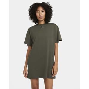Abito Nike Verde Militare Vestito Essential Donna Ragazza Logo mini Bianco art. CJ2242 325