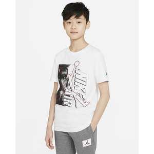 T- Shirt Ragazzi Jordan Short Sleeve Graphic Bianca con Logo Jordan Art. 95A435 001