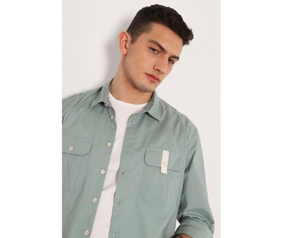 La camicia regular %c3%a8 caratterizzata da un colletto classico  maniche lunghe e due taschini dettaglio sul petto. 95  cotone  5  elastan %282%29
