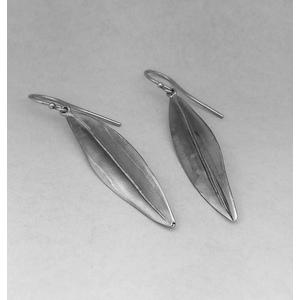 Orecchini in argento modello foglia d'ulivo