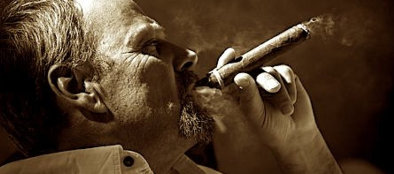 Fumatore sigaro