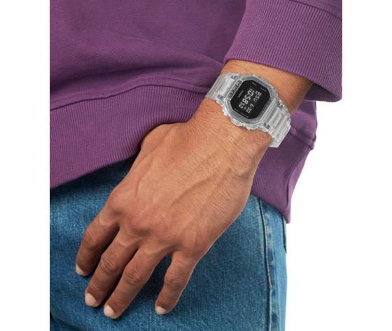 Dw 5600ske 7er or02 wristshot web w550 center