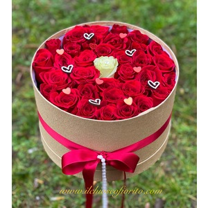 Floral box LOVE 110€