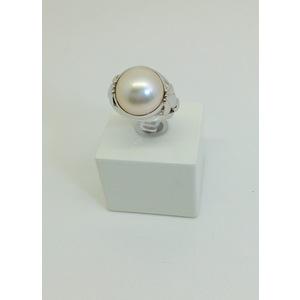 Anello oro bianco con perla grammi 7.7 misura 14