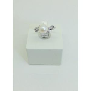 Anello oro bianco con zirconi e perla misura 13 grammi 2.9