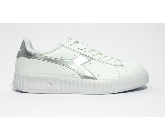 Game p step wn   white silver lato