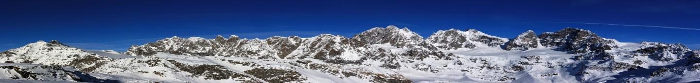 Montagne cielo blu