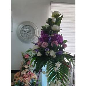 Composizione fiori artificiali piramide