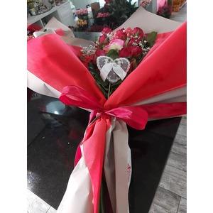 Mazzo di 10 rose gambo lungo