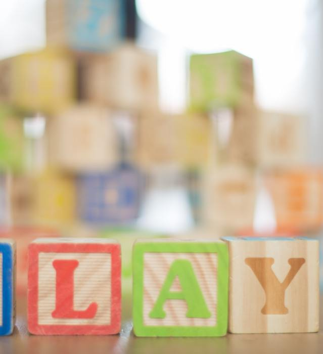 Depth of field photography of p l a y wooden letter decors 591652