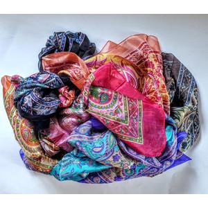 Sciarpa in pura seta, lavorata a telaio misura 160x50 cm