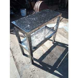 Tavolino artigianale piccolo in alluminio